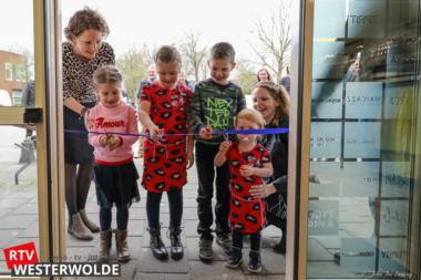 Tweelingzussen openen kledingwinkel in Vlagtwedde