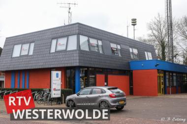 Ds. van de Vrie verzorgt kerkdienst vanuit de studio van RTV Westerwolde