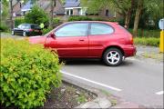 008_Automobilist-moet-uitwijken-bij-rotonde-10-05-19