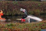 015_Auto-rolt-het-water-in-Drouwenerstraat-03-01-20