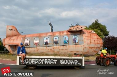 Publiek geniet van optocht Oostermoerfeest in Gasselternijveen