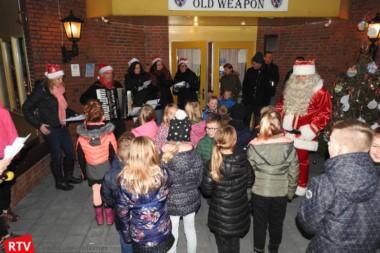 Eerste Kerstballentocht in Blijham groot succes