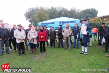 Burgemeester Gerd Conens opent samen met Jan Veen de paardenmarkt in Rhede