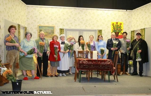 """Publiek geniet van """"Koestukken 7"""" in Jipsingboertange - Westerwolde actueel"""