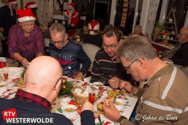 """Leden van """"Fenny's Eetclub"""" genoten van heerlijk kerstdiner"""