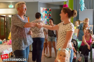 Tineke Rozema en Brigitte de Wijk nemen afscheid van CBS 'De Hoeksteen'  Ter Apel