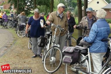 Leden R-Zijn Sellingen maken fietstocht