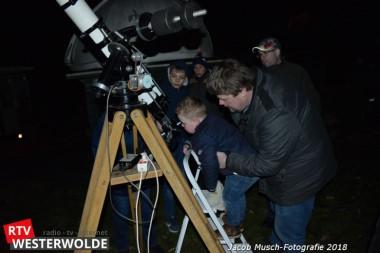 Veel belangstelling voor sterren kijken bij Tido van der Laan